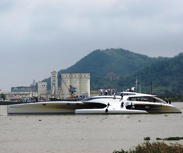 В Китае построили яхту, управляемую с iPad'а