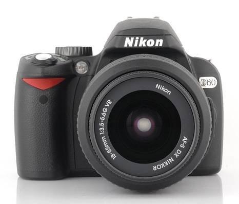 Компактная зеркальная камера Nikon D60
