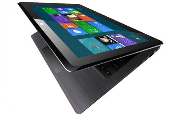 ASUS представляет ноутбук TAICHI с двусторонним дисплеем и Windows 8