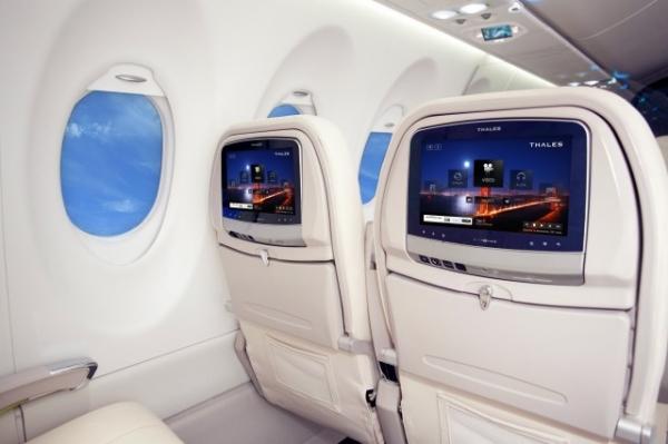 Пассажирские места Boeing 787 Dreamliner будут оснащаться ПК под Android