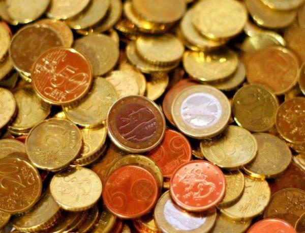 Компания Samsung выплатила долг Apple 5-центовыми монетами