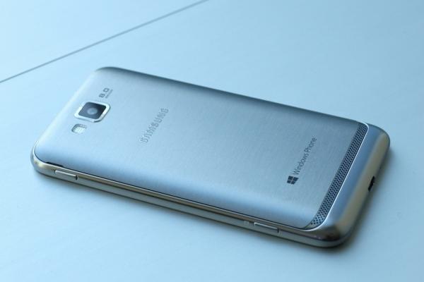 Samsung продемонстрировала первую трубку под Windows Phone 8 — ATIV S