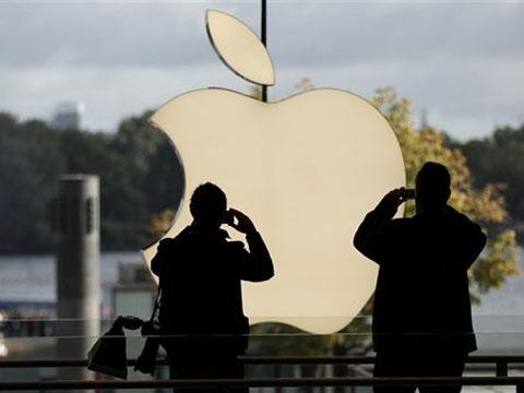 Компания Apple откладывает выход смартфона iPhone 5