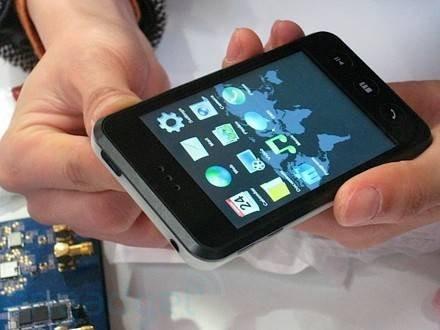 Мультимедийный плеер Meizu M8 – клон iPod Touch