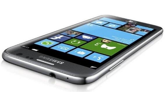 Samsung выпустила свой первый телефон на WP 8