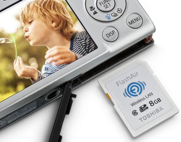 Toshiba готовится к выпуску 8 ГБ Wi-Fi-карты памяти FlashAir