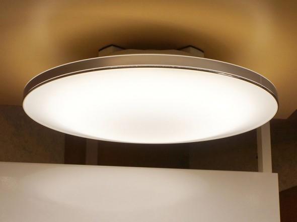 Лампы от NEC с беспроводными динамиками