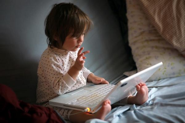 Родители все чаще называют своих детей именами Apple, Mac и Siri
