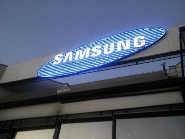 Samsung – лидер по производству смартфонов в 2012 году