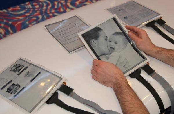 Гибкий планшет PaperTab на основе электронной бумаги