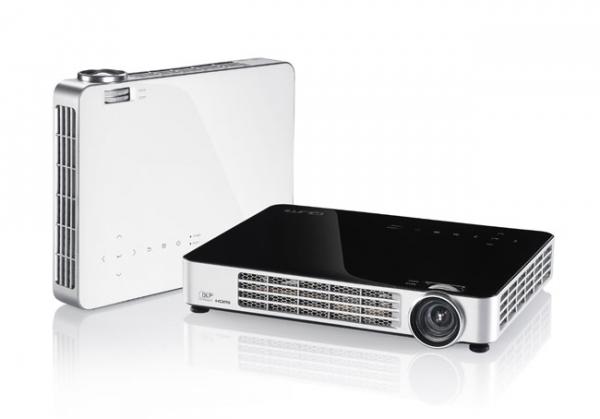 Компактный проектор Vivitek Qumi Q7 HD LED