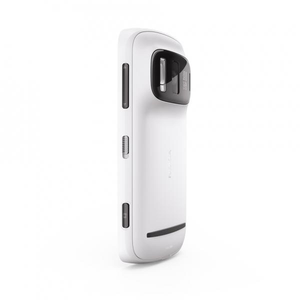Nokia EOS: первый Windows-смартфон с «настоящим» PureView?
