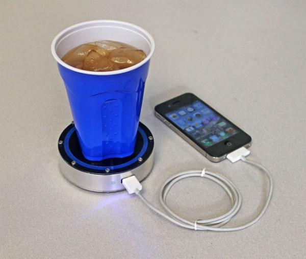 Epiphany OnE Puck – зарядное устройство для любителей горячих и холодных напитков