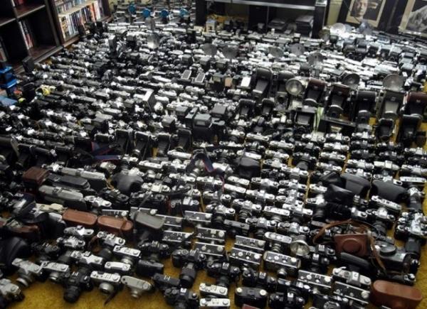 На Ebay выставили впечатляющую коллекцию фотоаппаратов