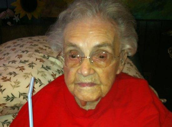 Facebook «не пустил» к себе 104-летнюю старушку