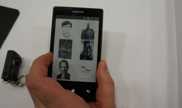E Ink показала Android-смартфон на «электронных чернилах»