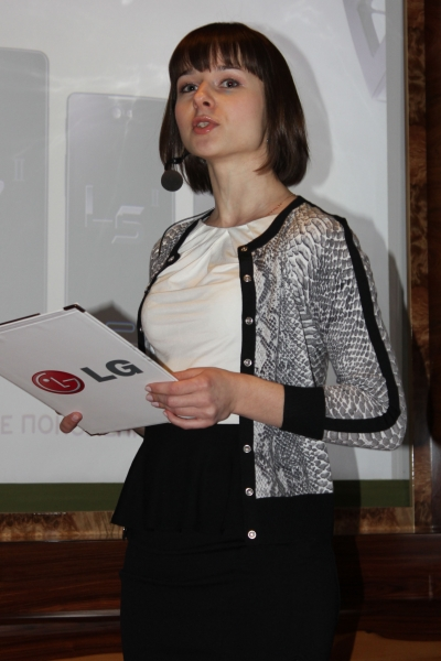 Татьяна Навка представила смартфоны линейки LG Optimus L II