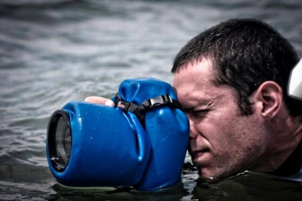 Outex Waterproof DSLR Housing — защитный водонепроницаемый чехол для зеркальных камер