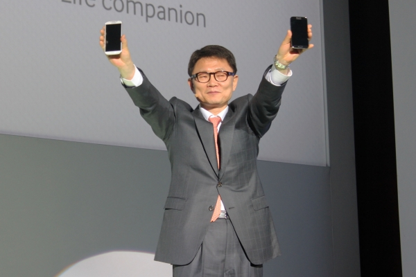 Samsung Galaxy S4 представлен в России. Новые подробности о флагмане