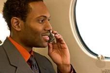 Ofcom даст возможность использовать мобильники в самолетах