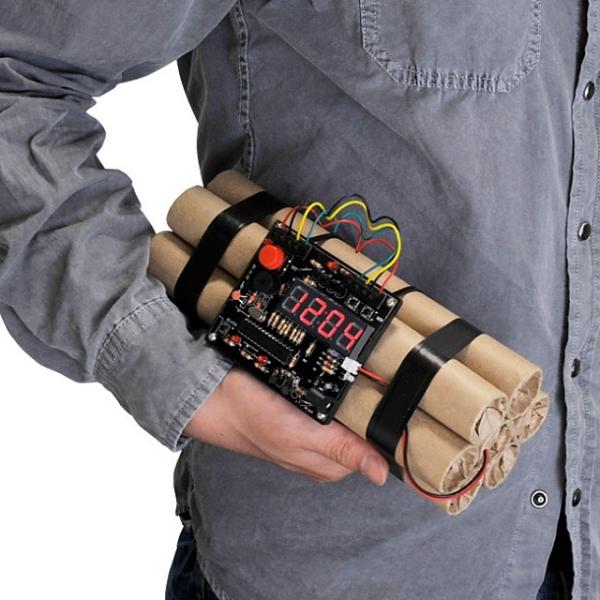 Будильник для поклонников Counter-Strike