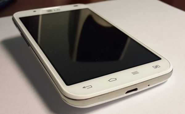 LG Optimus L7 II Dual – стильный и «живучий» двухсимочник