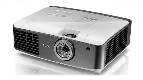 BenQ W1500 — беспроводной проектор с поддержкой 3D