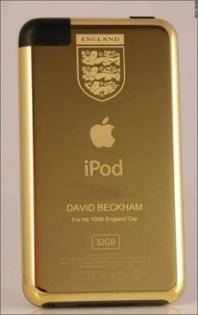 Дэвид Бекхэм получил в подарок золотой iPod