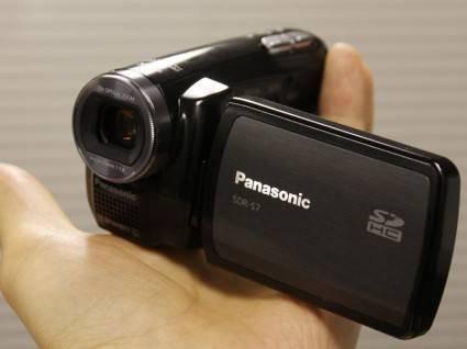 Миниатюрная цифровая видеокамера Panasonic SDR-S7