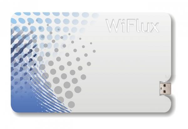 WiFlux — портативное зарядное устройство размером с кредитку