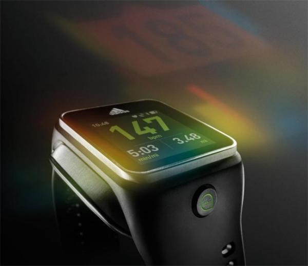 miCoach Smart Run — «умные» часы от Adidas