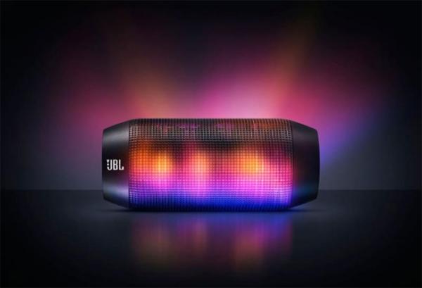 Аудиосистема JBL Pulse порадует и уши, и глаза
