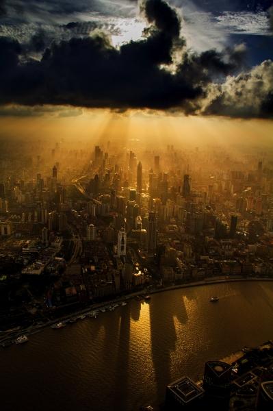 Шанхайский крановщик победил в фотоконкурсе, «воспользовавшись служебным положением»