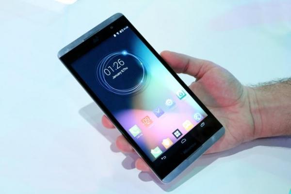Стирая грань между смартфоном и планшетом: 6,8-дюймовый Hisense X1