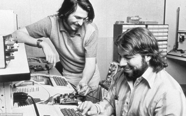 Apple отмечает 30-й день рождения компьютера Mac