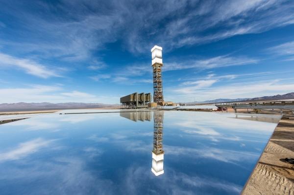 В США вступила в строй крупнейшая в мире солнечная электростанция