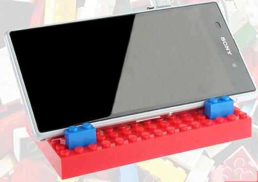 Портативное зарядное устройство в стиле LEGO