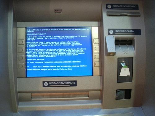 Полтора миллиона банкоматов все еще работают на «просроченной» Windows XP