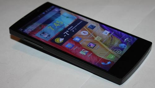 Highscreen Boost 2 – две батареи и две сим-карты
