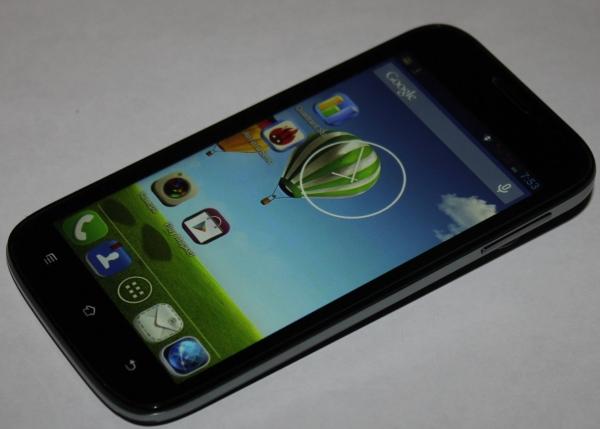 Haier W757 – дешевый смартфон с большим экраном