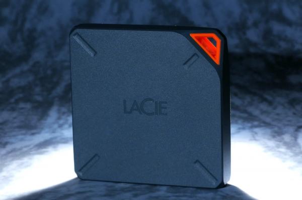 """LaCie удваивает емкость своих внешних беспроводных HDD """"Fuel"""""""