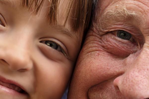 Ученые научились прогнозировать будущий вид лица человека по одной фотографии