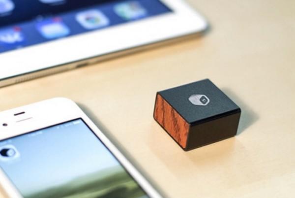 MBLOK Memory Block — портативное хранилище данных для мобильных устройств