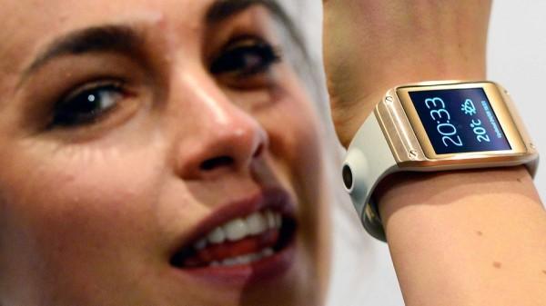 Samsung лидирует в гонке «умных часов», владея 71 % рынка