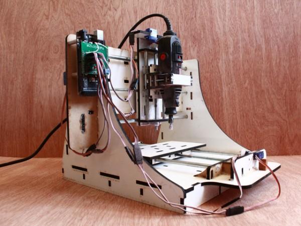 Makesmith – фрезерный станок с цифровым управлением из подручных материалов