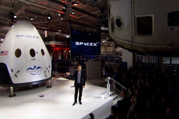 SpaceX представляет космический корабль, способный доставить 7 астронавтов на МКС