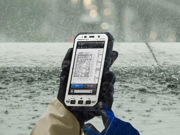 Прочные 5-дюймовые смартфоны Panasonic Toughpad