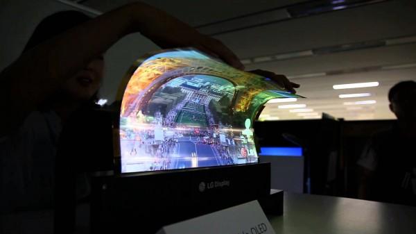 Гибкость новых экранов LG превосходит ожидания