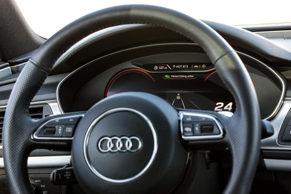 Audi тестирует автономный транспорт