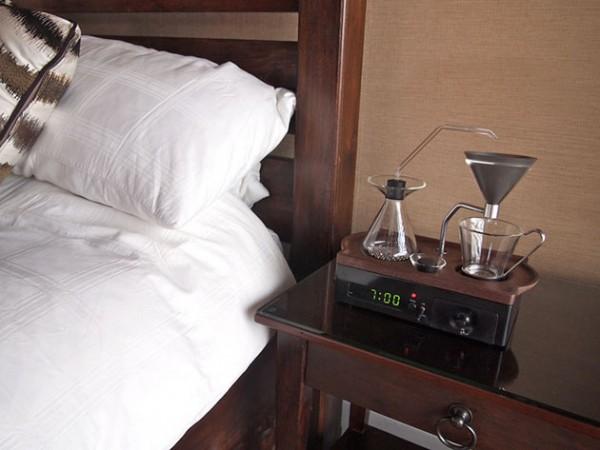 Будильник Barisieur варит кофе, пока вы просыпаетесь